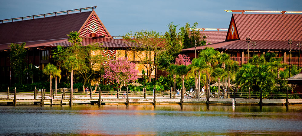 Polynesian-Resort-pic