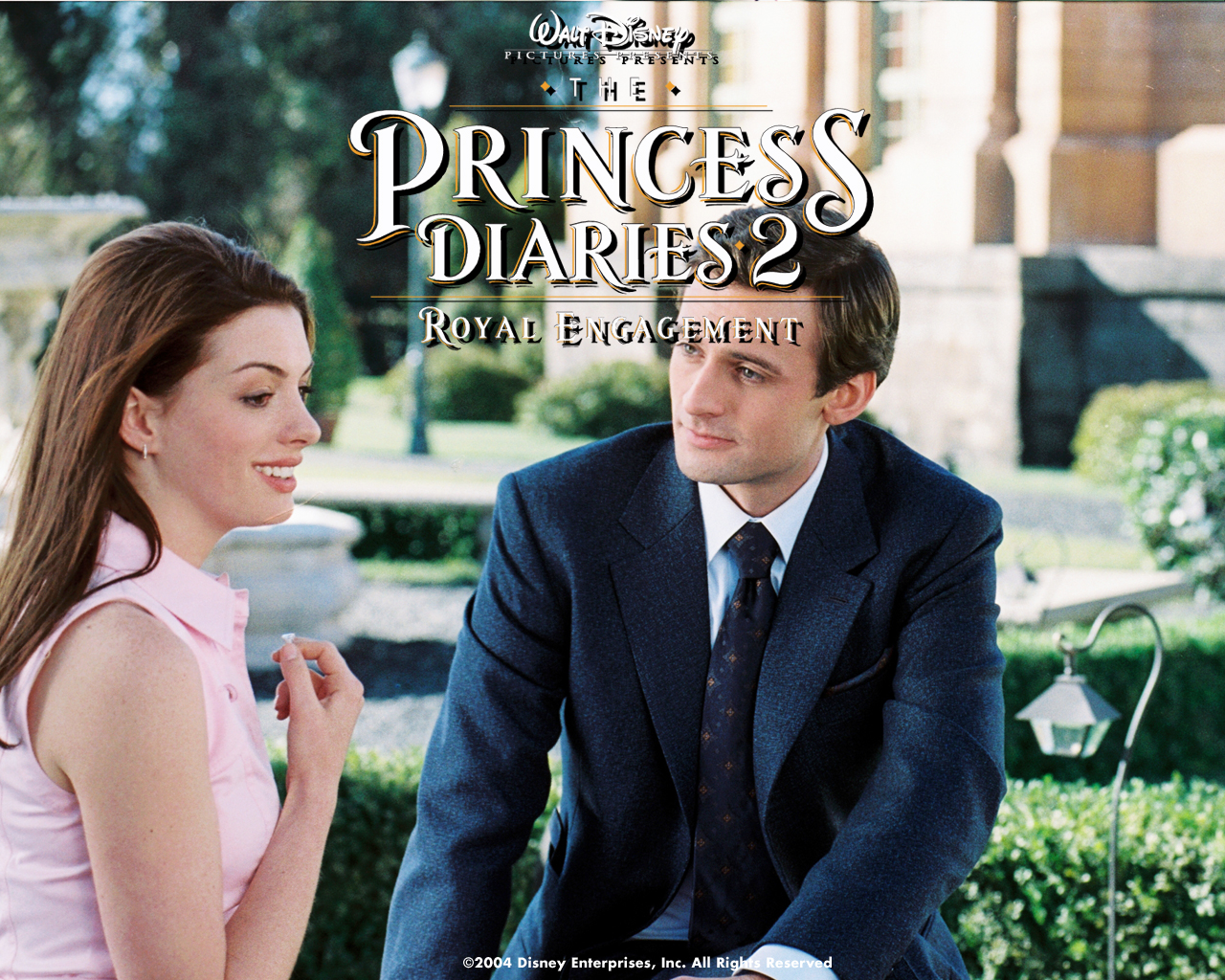 Anne Hathaway in The Princess Diaries 2- Royal Engagement Wallpaper 1280-960