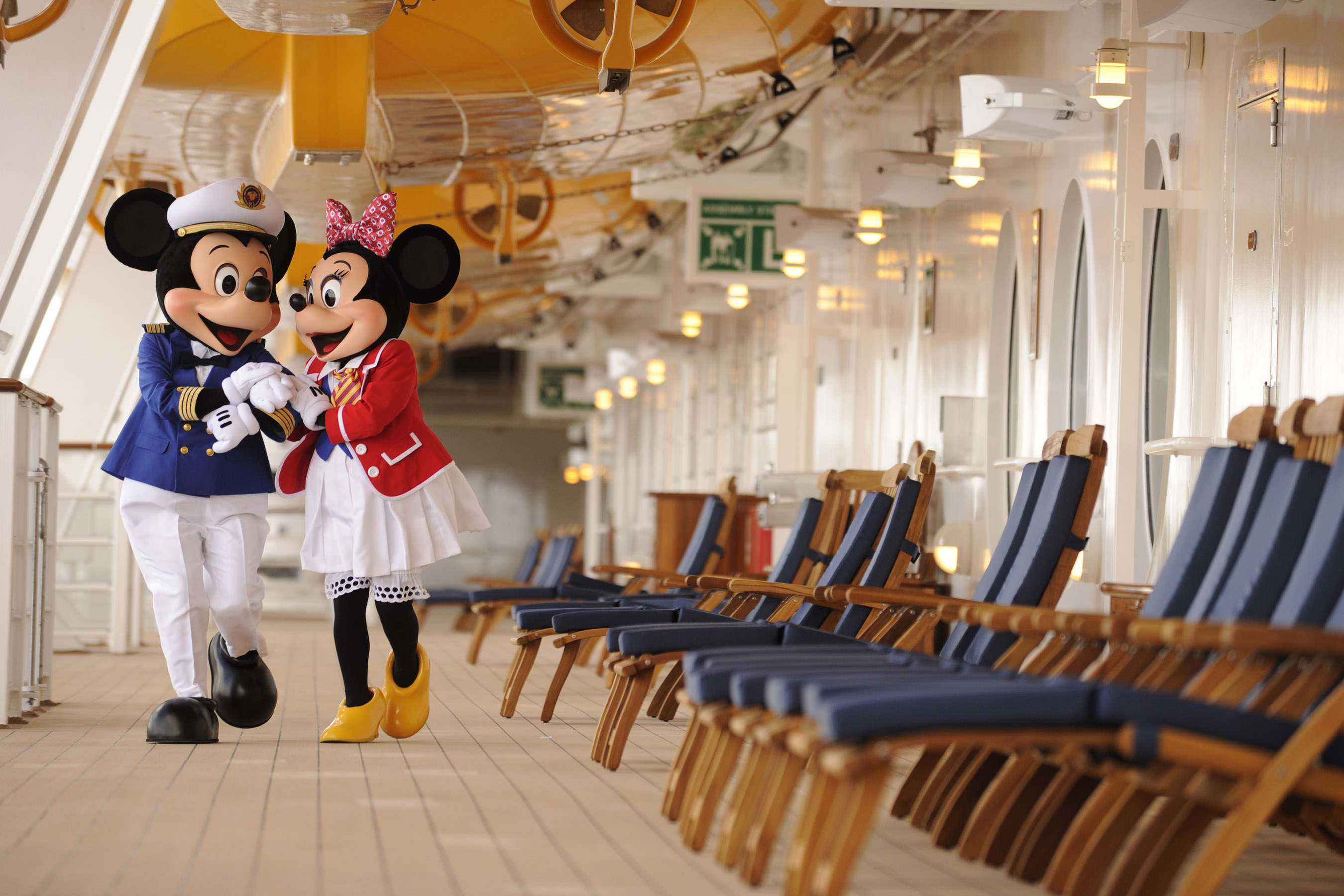 Captain Mickey Mouse Minnie Mouse Disney Cruise Picture