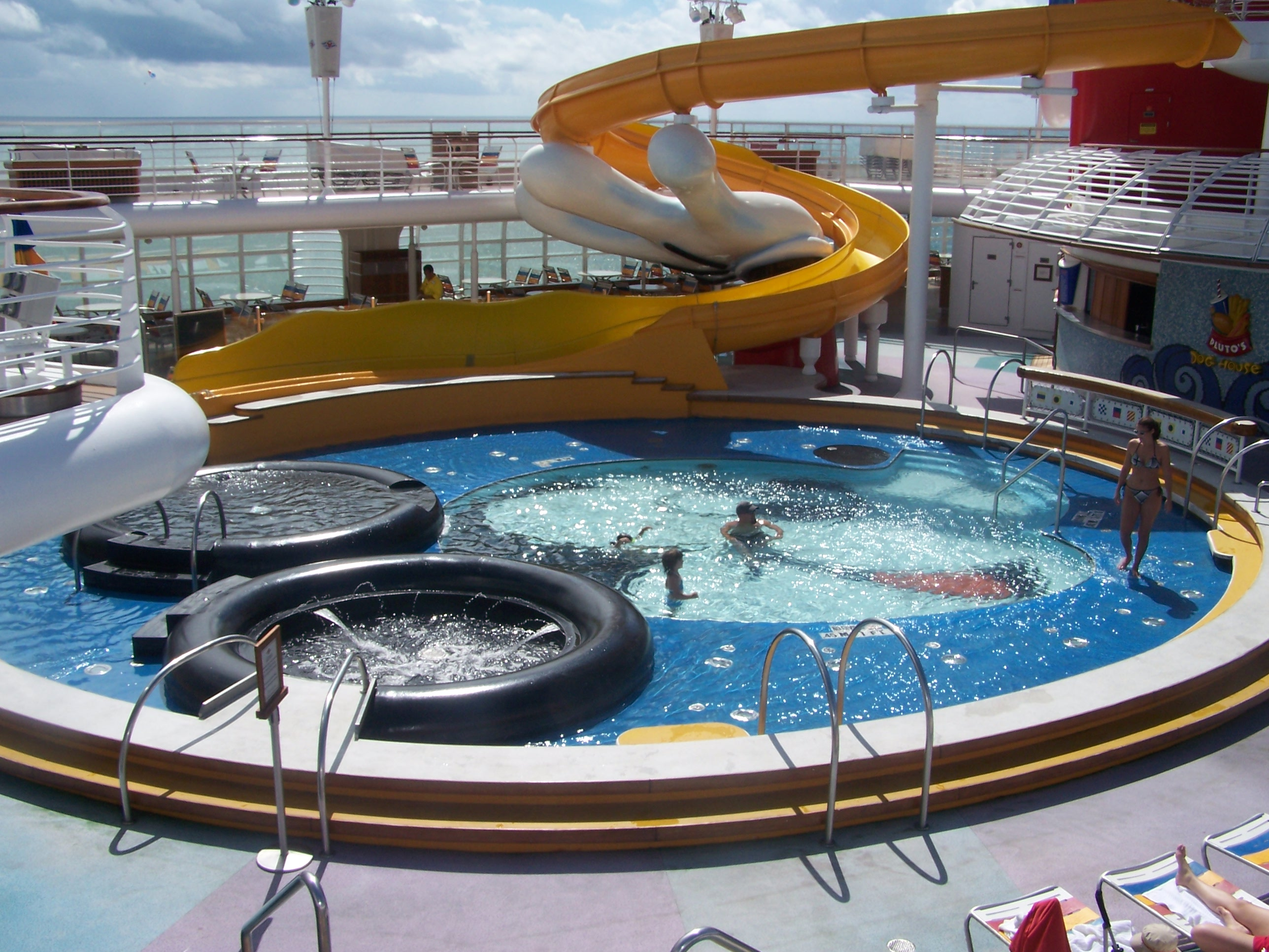 Disney Cruises pool